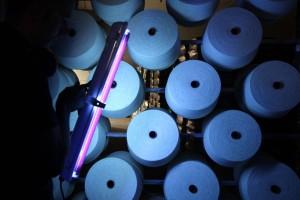 Inspección Visual cono a cono con luz ultravioleta